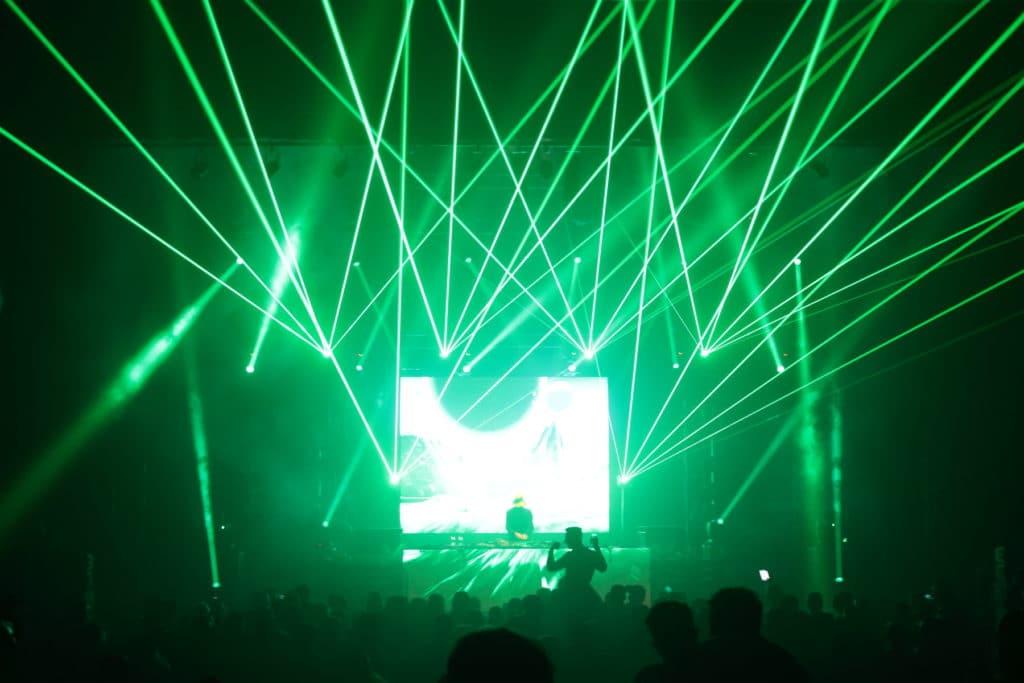 laser projecteur faisceau beamshow